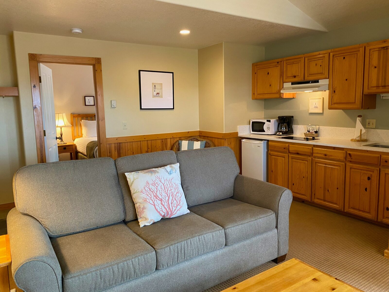 Queen Suite with a Sofabed, 2nd Floor, Pets Allowed